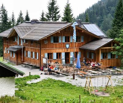 rifugio Tutzinger Huette