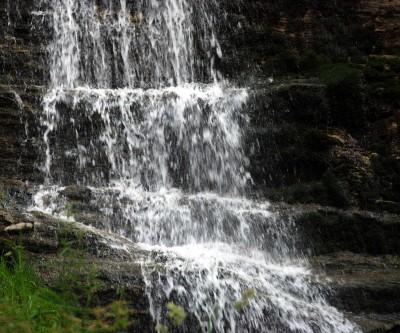 Cascatelle e giochi d'acqua al Rio Fundres